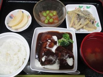 クリスマス昼食1.JPG